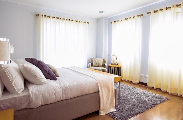 Dywan wełniany czy syntetyczny? Jaki dywan do salonu, pokoju dziecka, a jaki do sypialni?