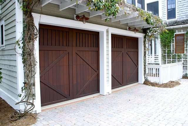 bramy garażowe rozwierane