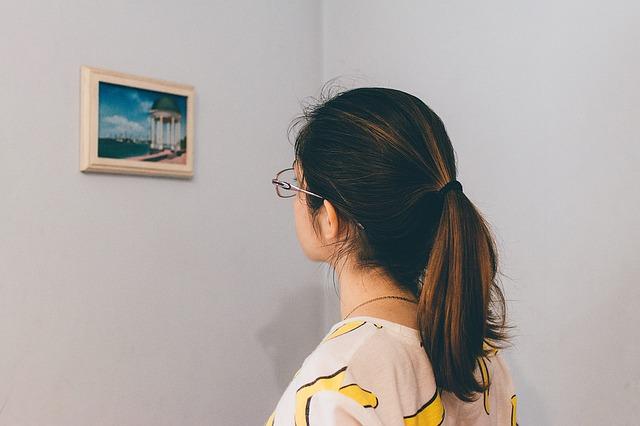 Jak wybrać ramkę na zdjęcia? Co oferują nam sklepy z ramkami na zdjęcia?