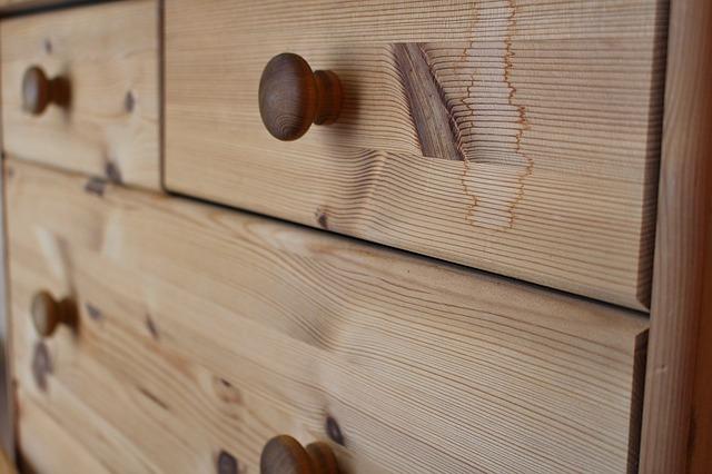 drewniane szuflady
